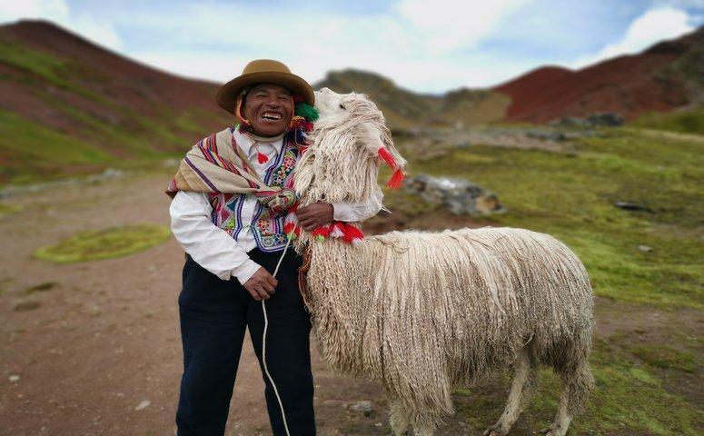 Einheimischer mit llama