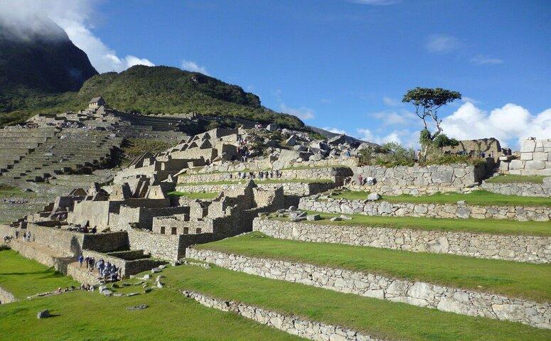 sunny machu picchu ruins