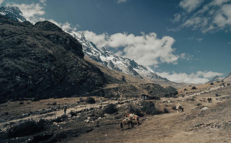 paisaje en caminata salkantay